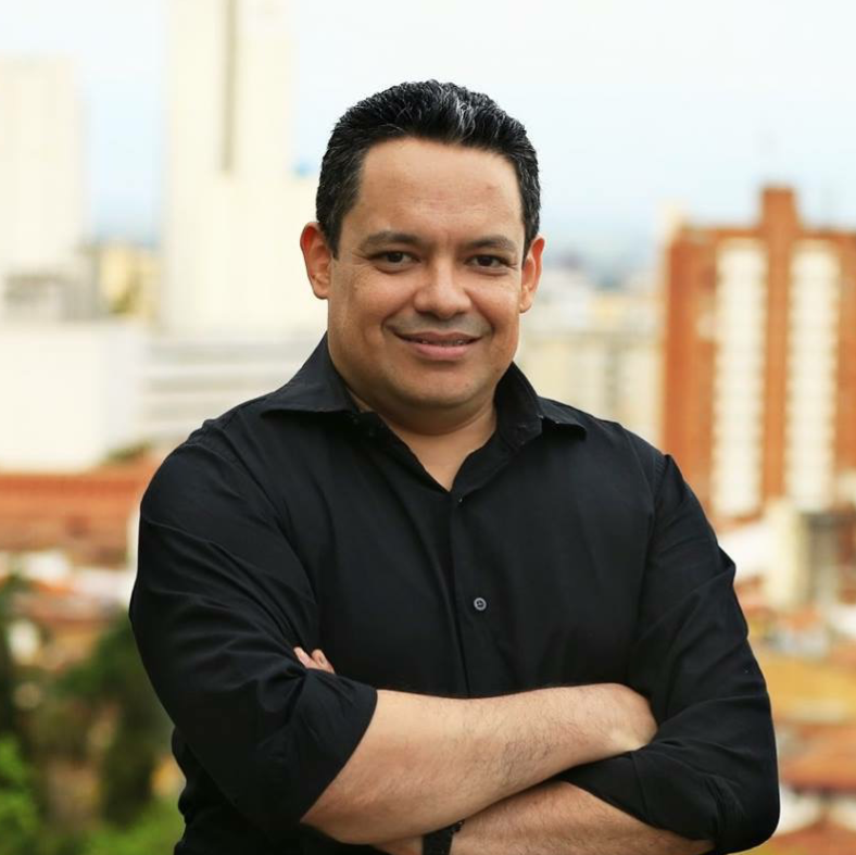 Julian Albornoz T. | Estratega Digital & Social Media Marketing - Cali